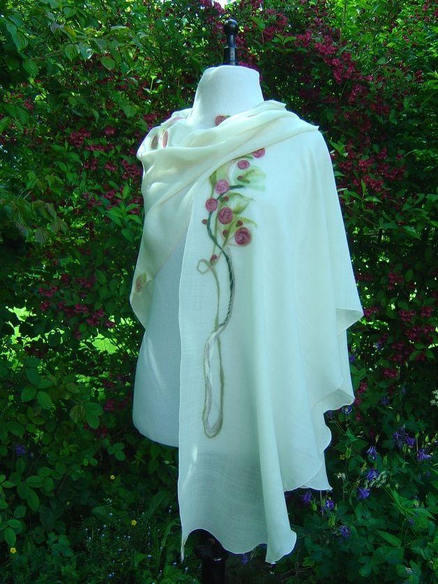 Capes & Ponchos - Cape Rosencape Unikat Umhang Stola - ein Designerstück von hofatelier-mode bei DaWanda