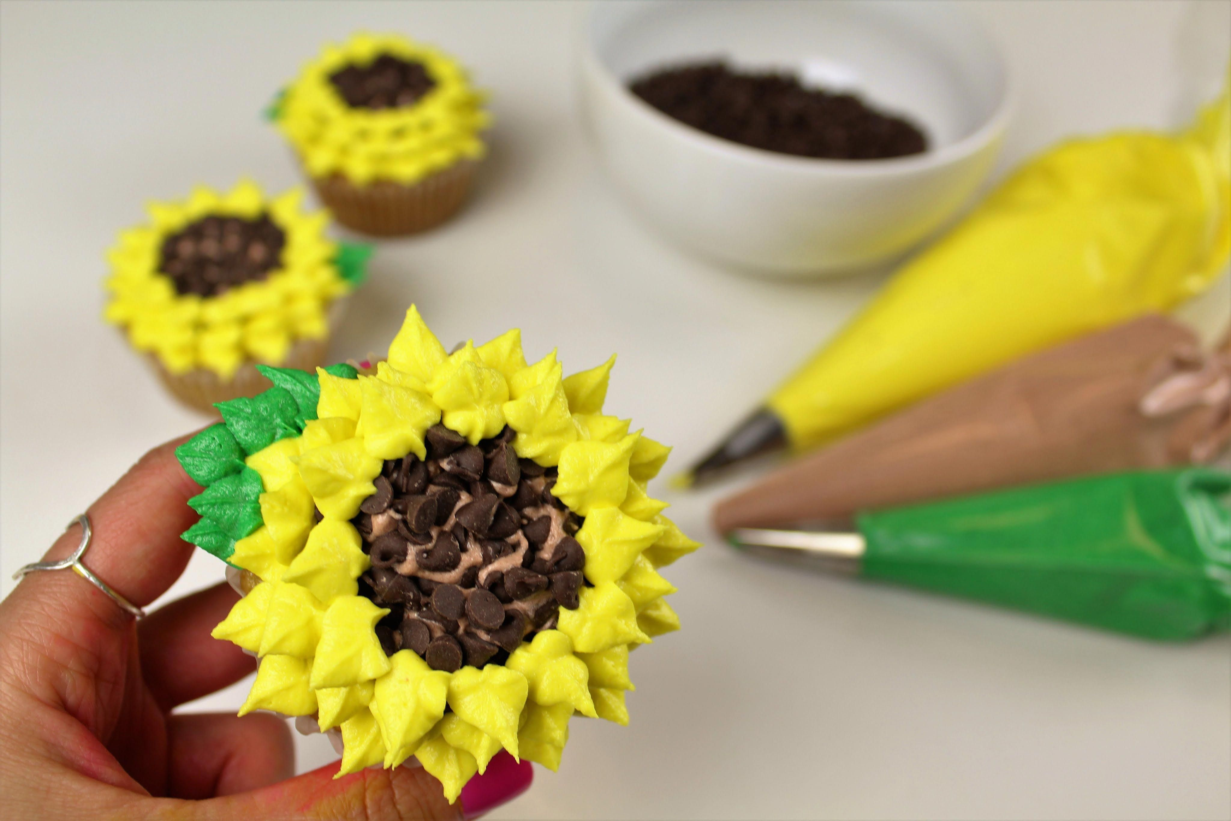 Sunflower Cupcake Tutorial - the perfect cupcakes for summer! #sunflowercupcakes Sunflower Cupcake Tutorial - the perfect cupcakes for summer! #sunflowercupcakes Sunflower Cupcake Tutorial - the perfect cupcakes for summer! #sunflowercupcakes Sunflower Cupcake Tutorial - the perfect cupcakes for summer! #sunflowercupcakes Sunflower Cupcake Tutorial - the perfect cupcakes for summer! #sunflowercupcakes Sunflower Cupcake Tutorial - the perfect cupcakes for s #summercupcakes #sunflowercupcakes