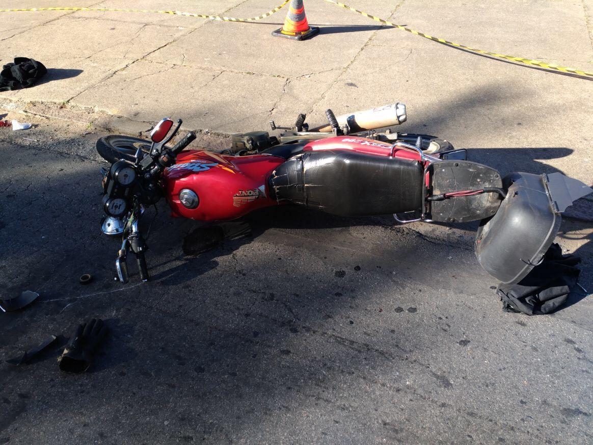 Motociclista morre em ultrapassagem