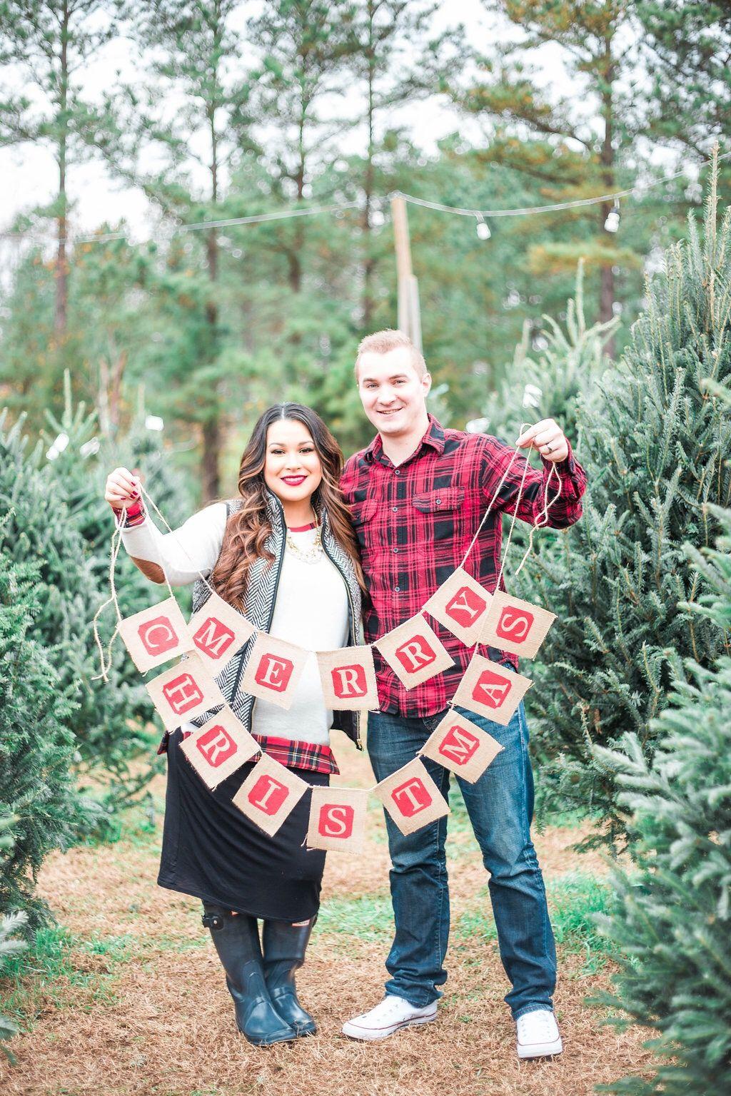 Pin On Christmas Maternity Shoot