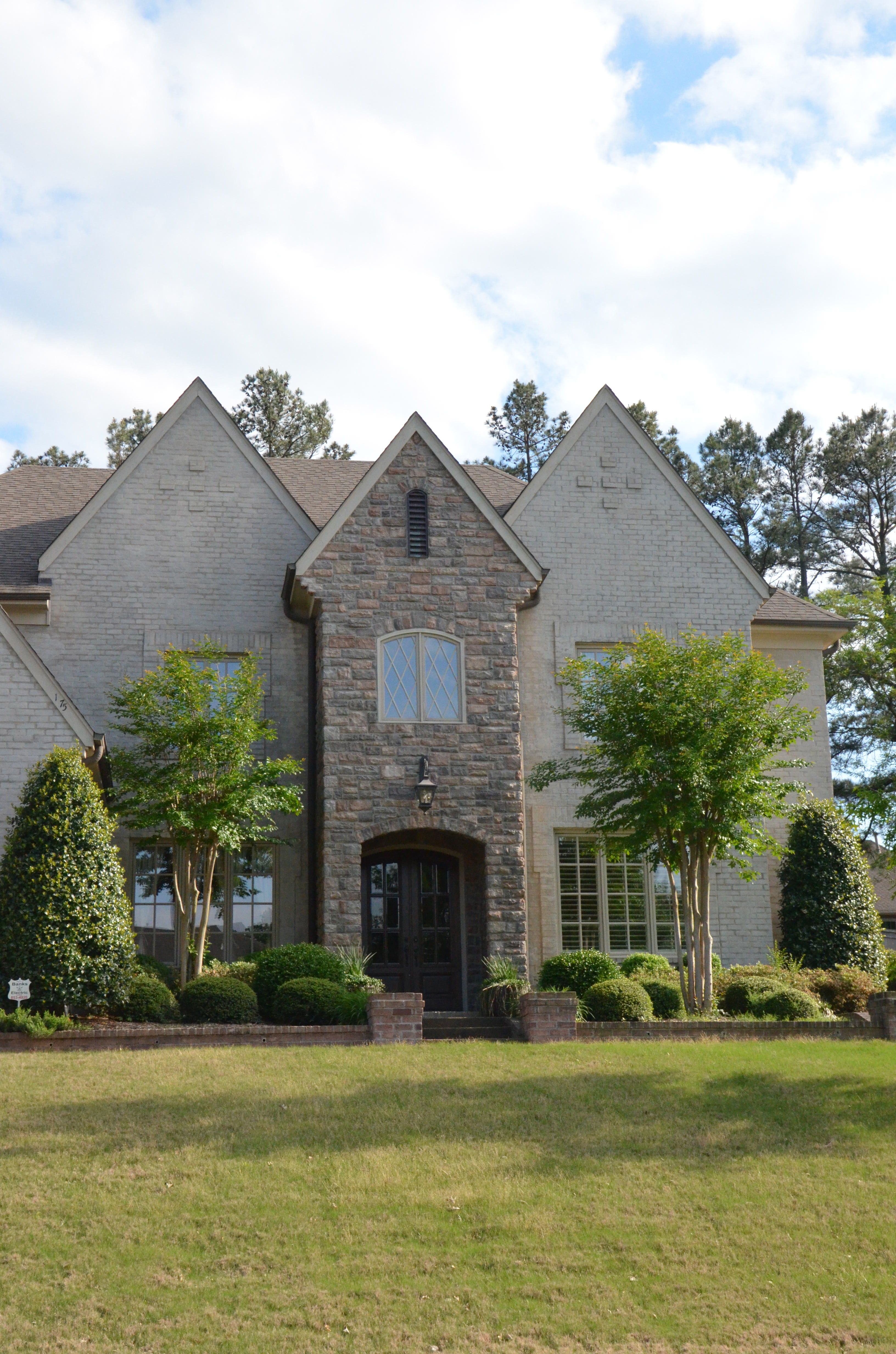 Memphis Stone And Stucco House Styles Architecture House