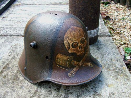 Stormtrooper helmet, WW1, with crossed grenades and skull
