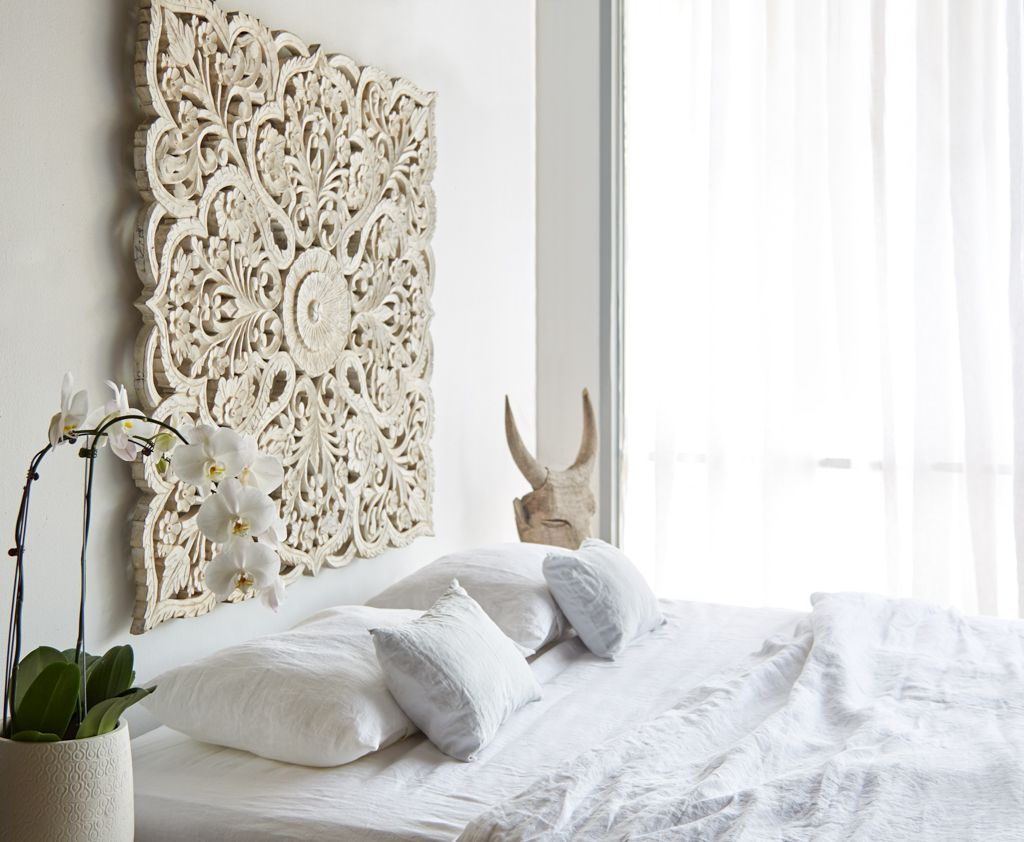Haveli inspired! White indian carved screen. bedroom