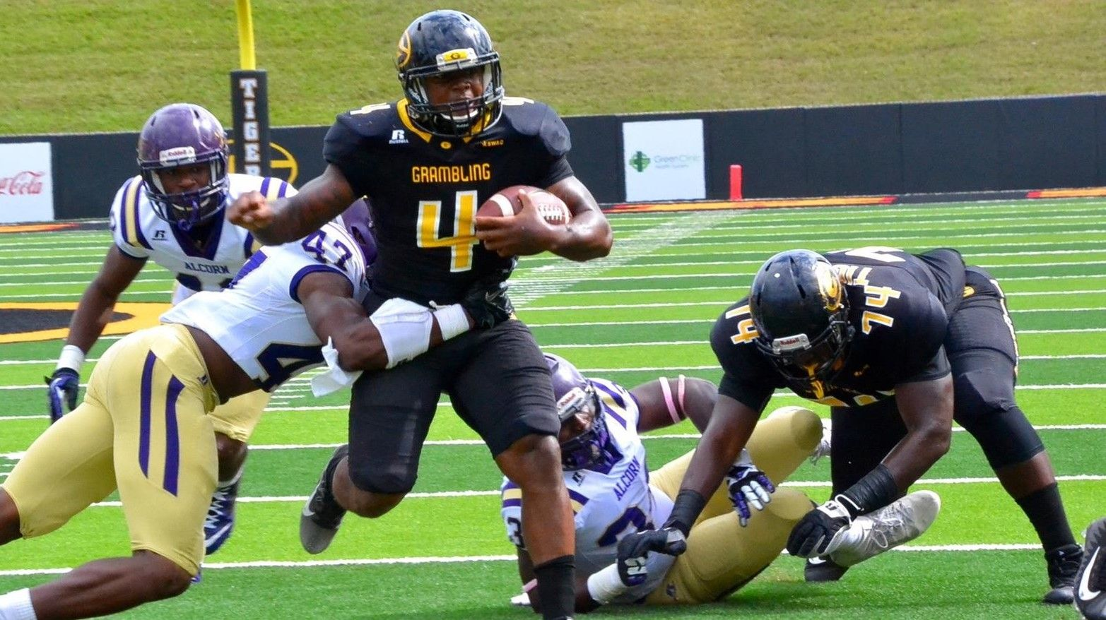 Grambling State Tigers Capitalize On Turnovers Upset Alcorn State Braves With Images Grambling Braves Football Helmets