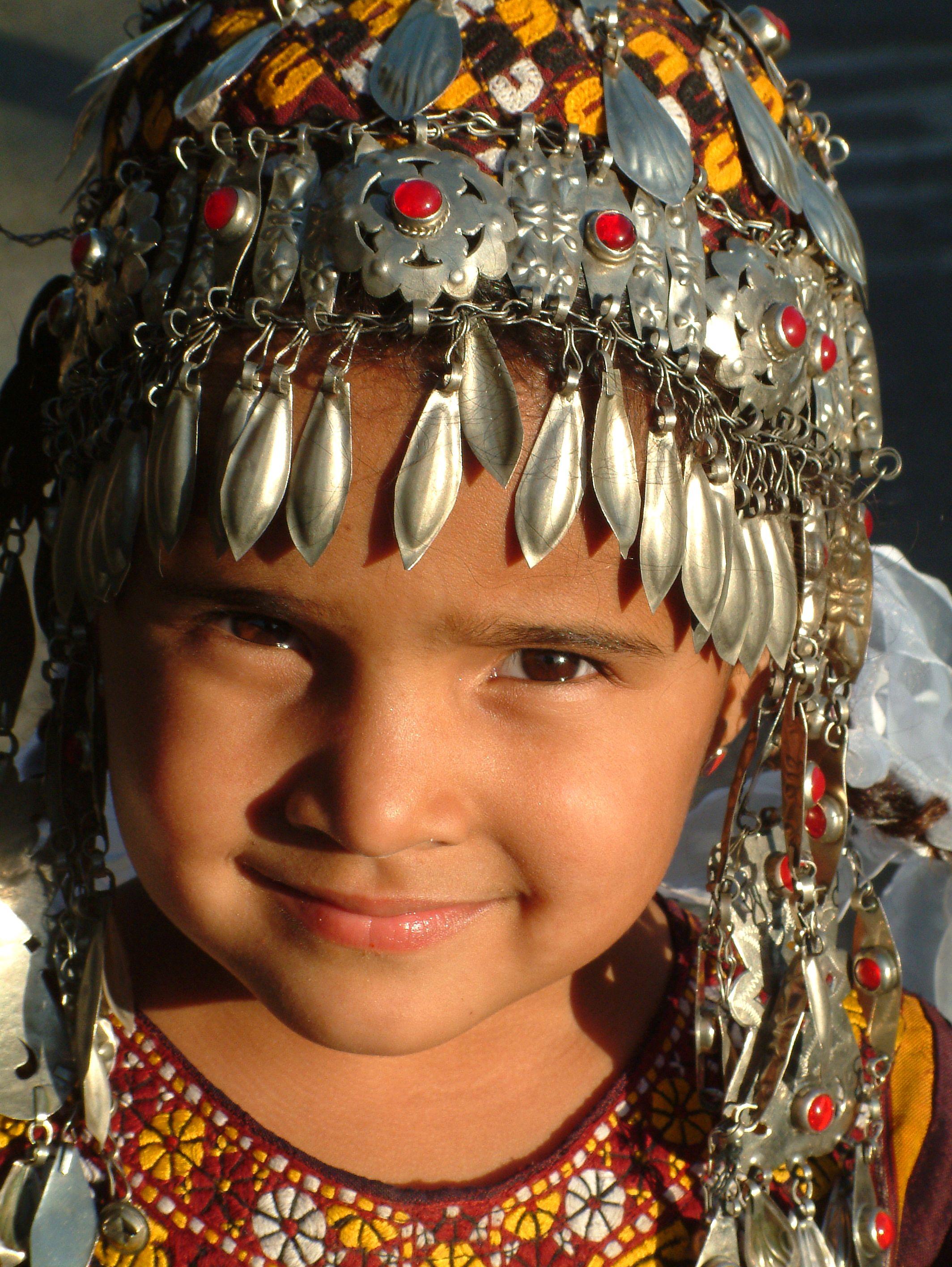 гонконге туркменские национальные украшения фото купальник или белье
