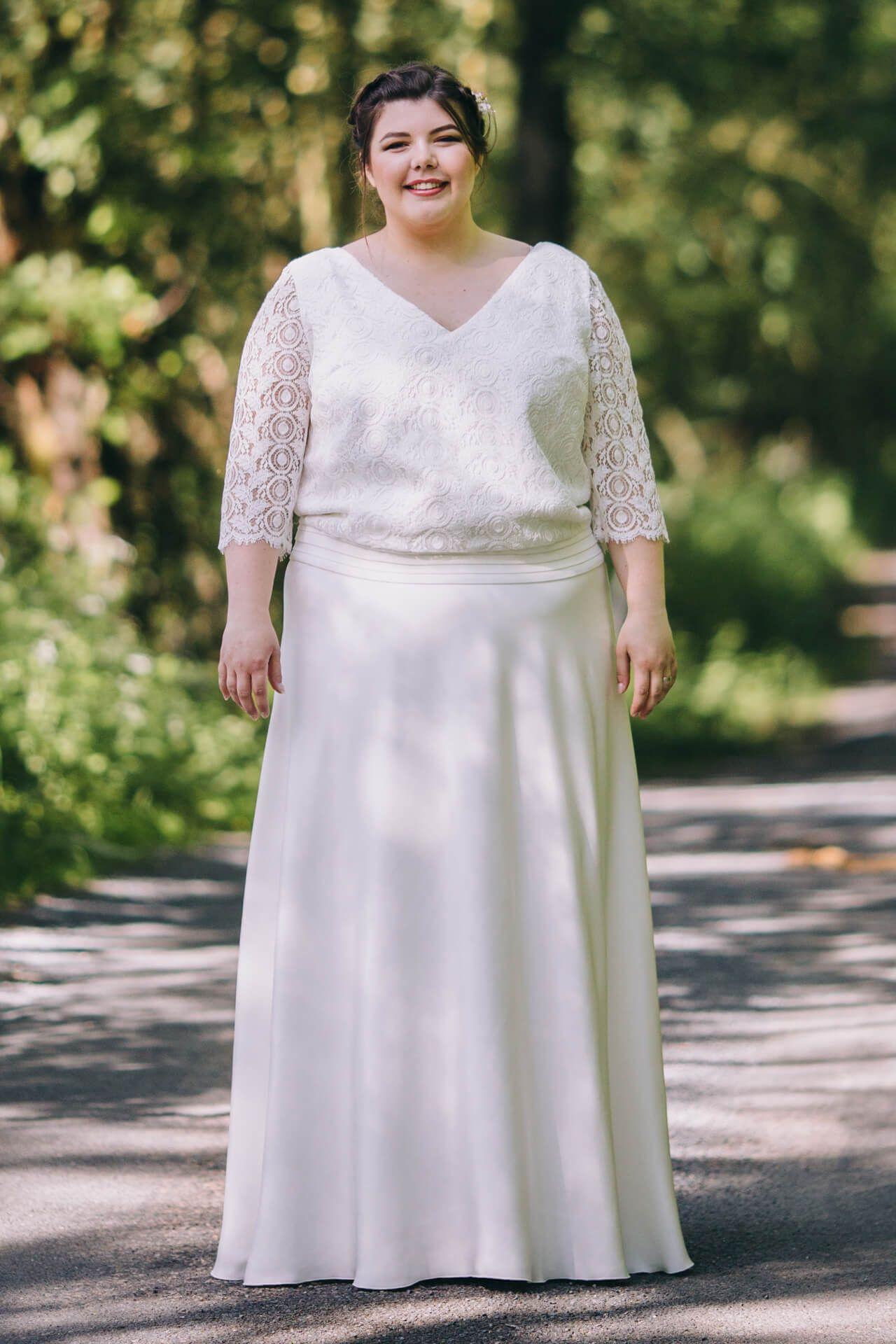 robe de mariée haut blousant en dnetelle géométrique grande taille créateur  lyon