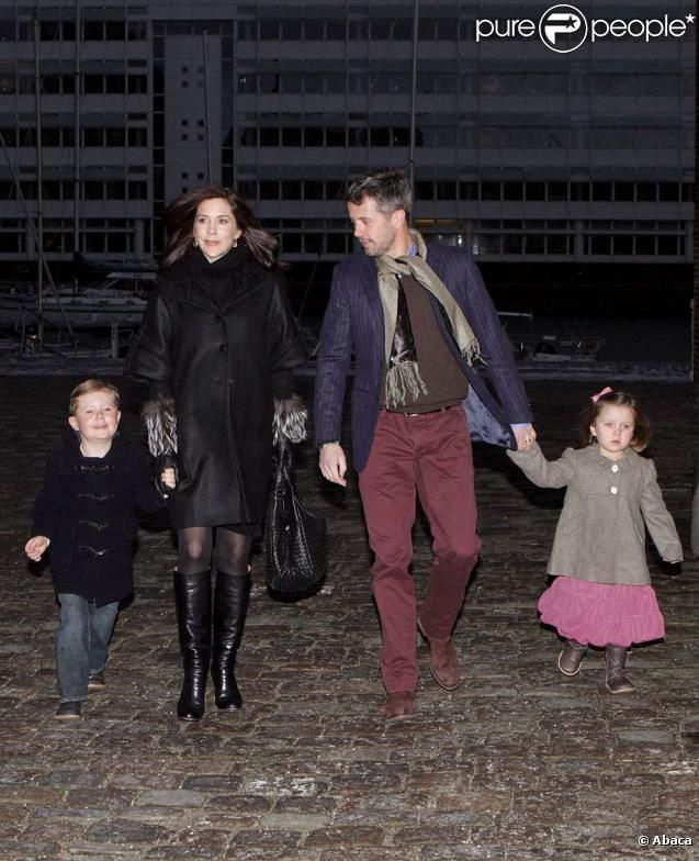 Princesses' lives: Danish Royal Family at ballet
