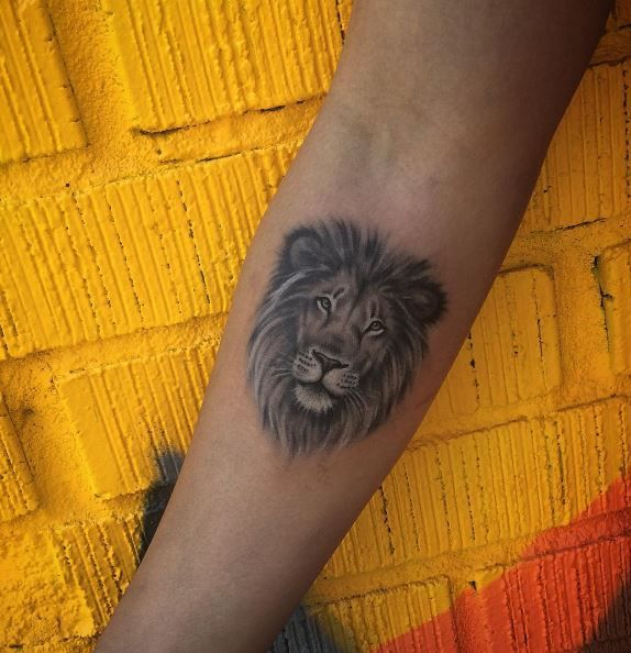 Small Lion Tattoo Inkstylemag Small Lion Tattoo Crown Tattoos For Women Lion Head Tattoos