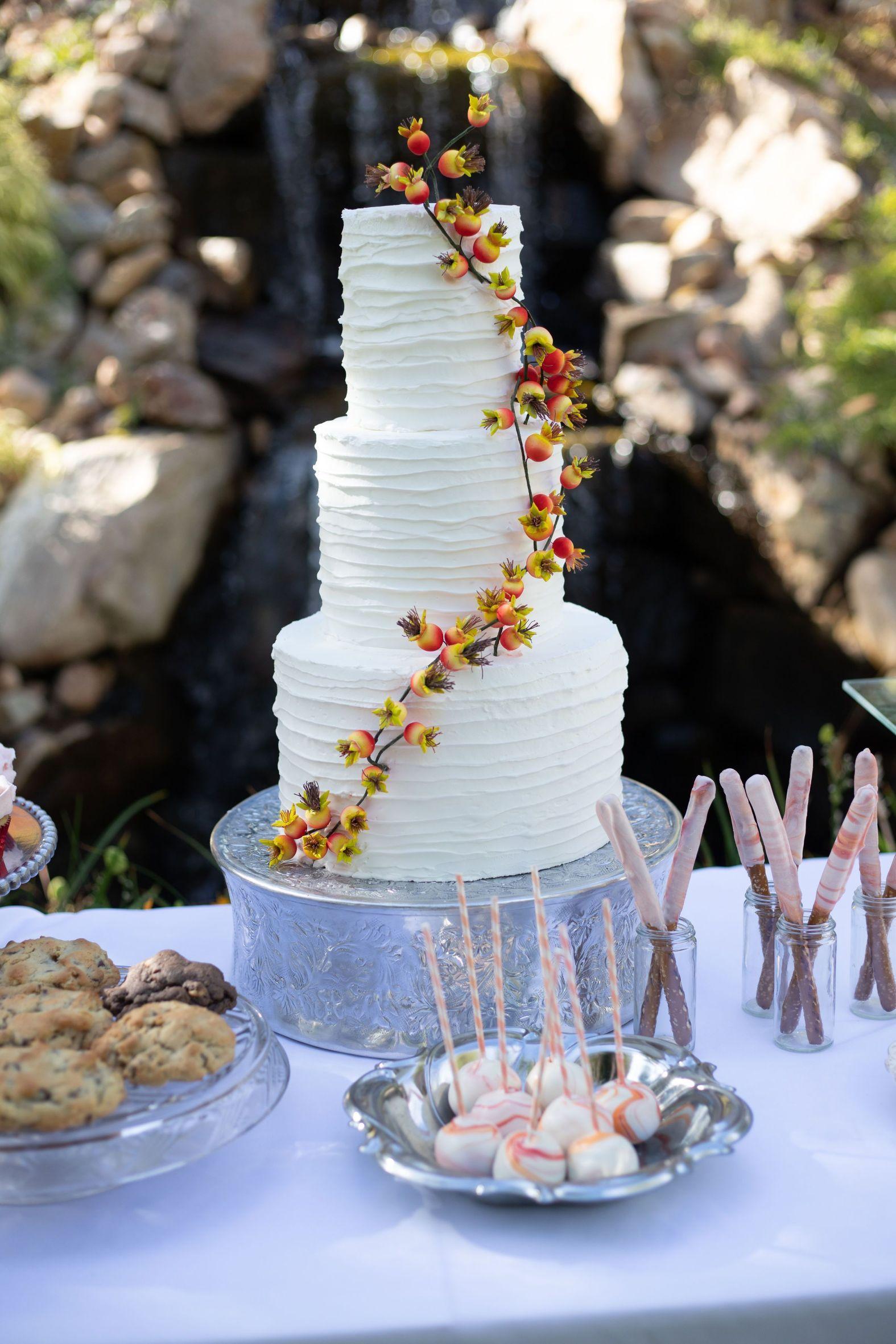 IMG_8473 Flower topped cake, Tulip cake, Drip cakes