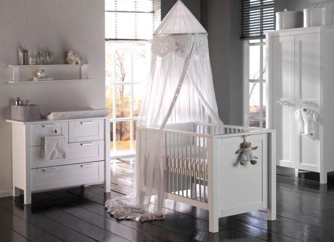 süßes baby mädchen kinderzimmer rosa gardinen weiße möbel, Schlafzimmer design