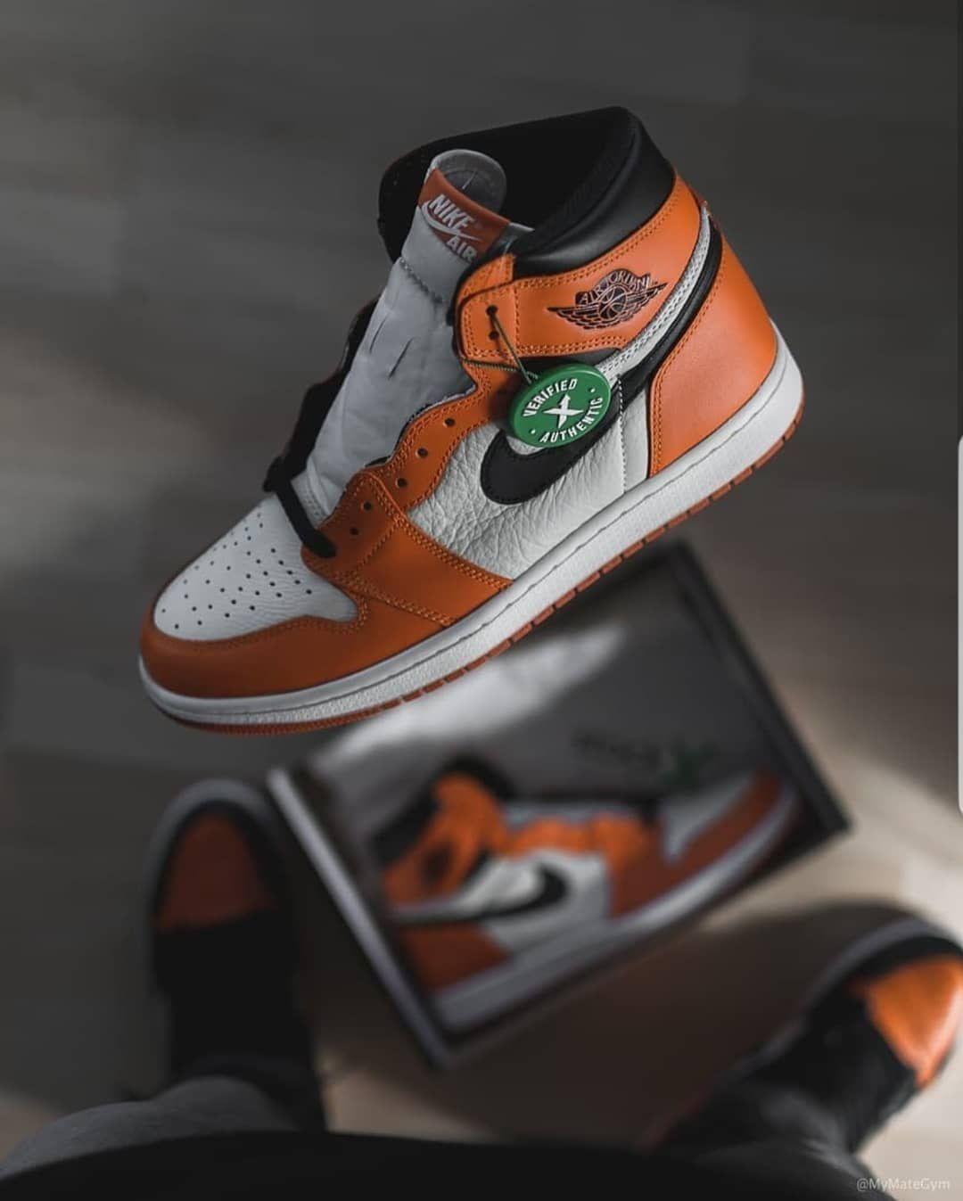Sneakers fashion, Air jordans