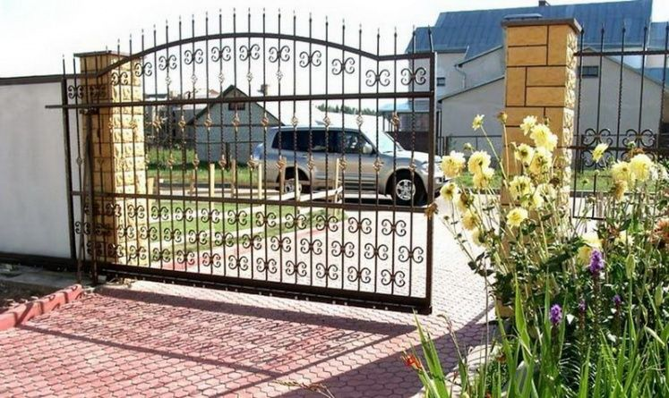 Mobile gates welding , fitting, repair. Central London