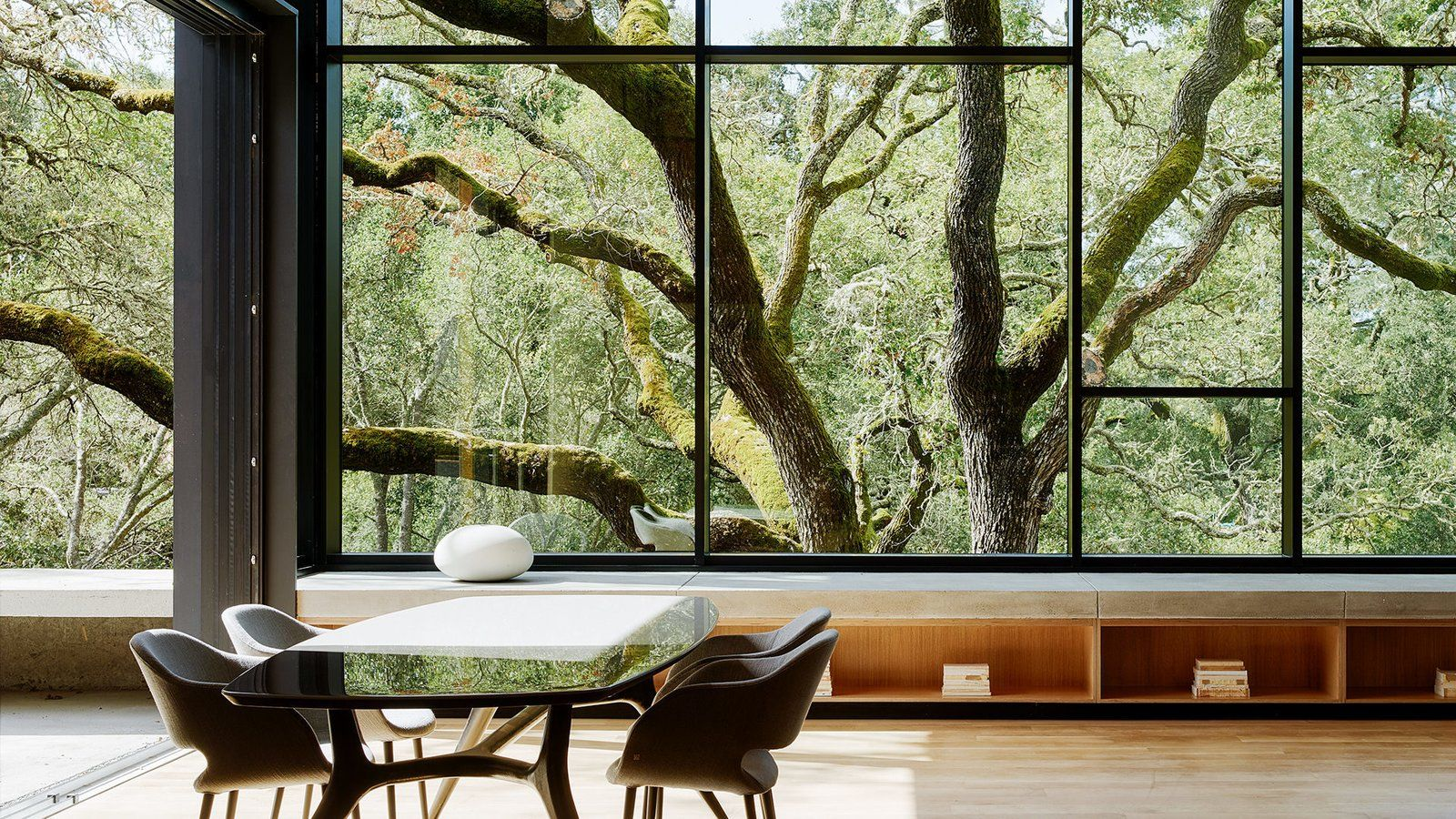 10 Showstopping Zoom Backgrounds Of Modern Homes Modern House Architectural Elements Dwell