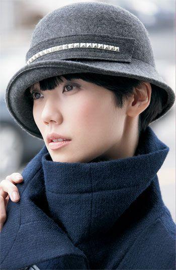 fdca034f3b003 Cute retro hat v. Cloche hat felt metal crown Wearing A Hat