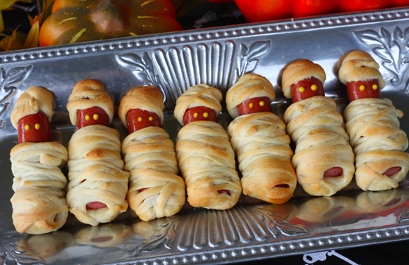 #halloween party platter...these are so freaking cute