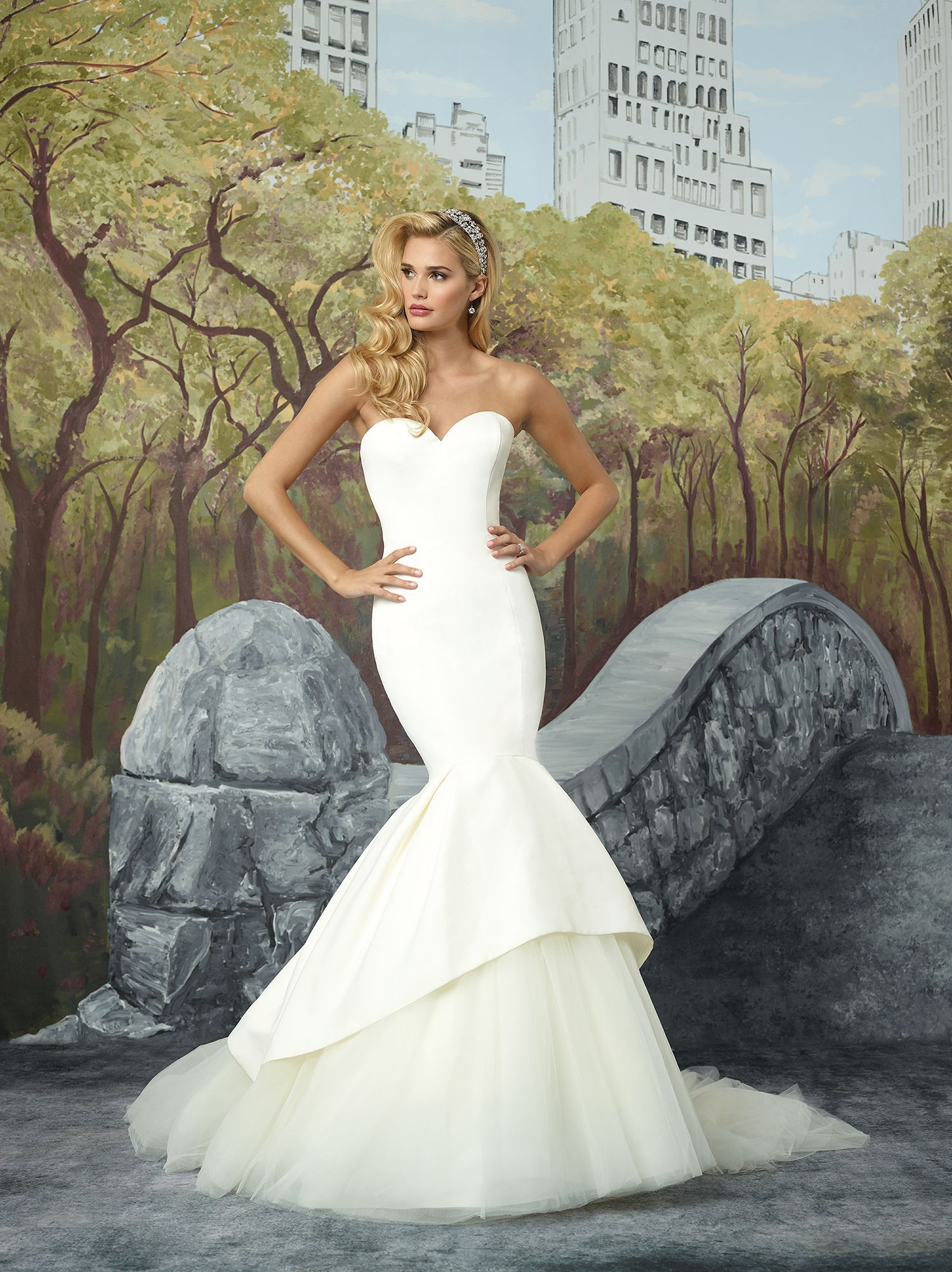 4dca0d7c7883 New Bridal Gown Available at Ella Park Bridal | Newburgh, IN | 812.853.1800  | Justin Alexander - Style 8933
