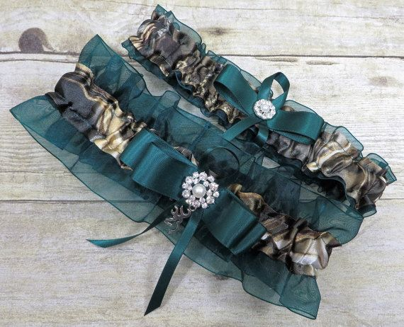 a00348144 Realtree Garter Set with Hunter Green Camo by TheMomentWedding