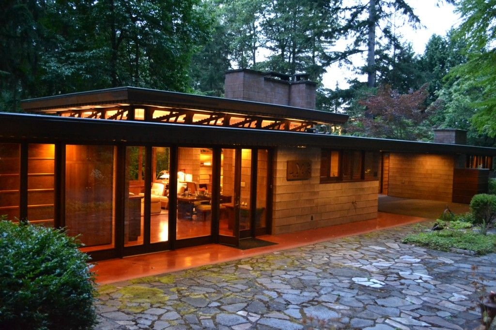 Remembering Frank Lloyd Wright Homes For Sale Designed By The Famed Architect Redfin Frank Lloyd Wright Usonian Usonian House Frank Lloyd Wright Homes