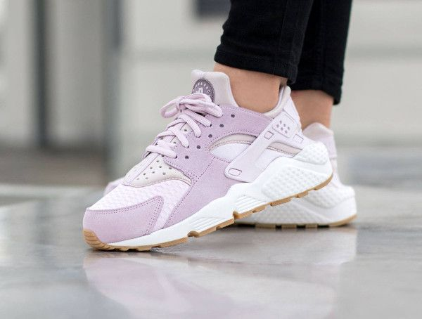 Find out all the latest information on the Nike WMNS Air Huarache Run Txt  Bleached Lilac, including release dates, prices and where to cop.