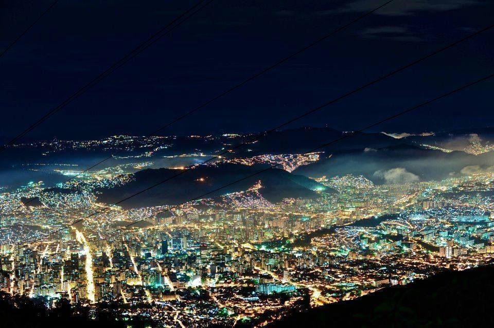 Caracas de noche.