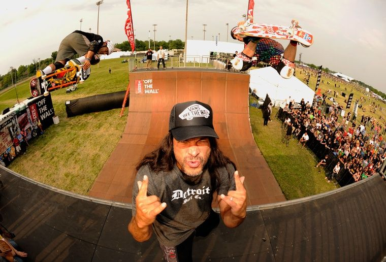 It's All Fun and Games on the Vert Ramp - Orion Festival 2013 - Robert Trujillo!!