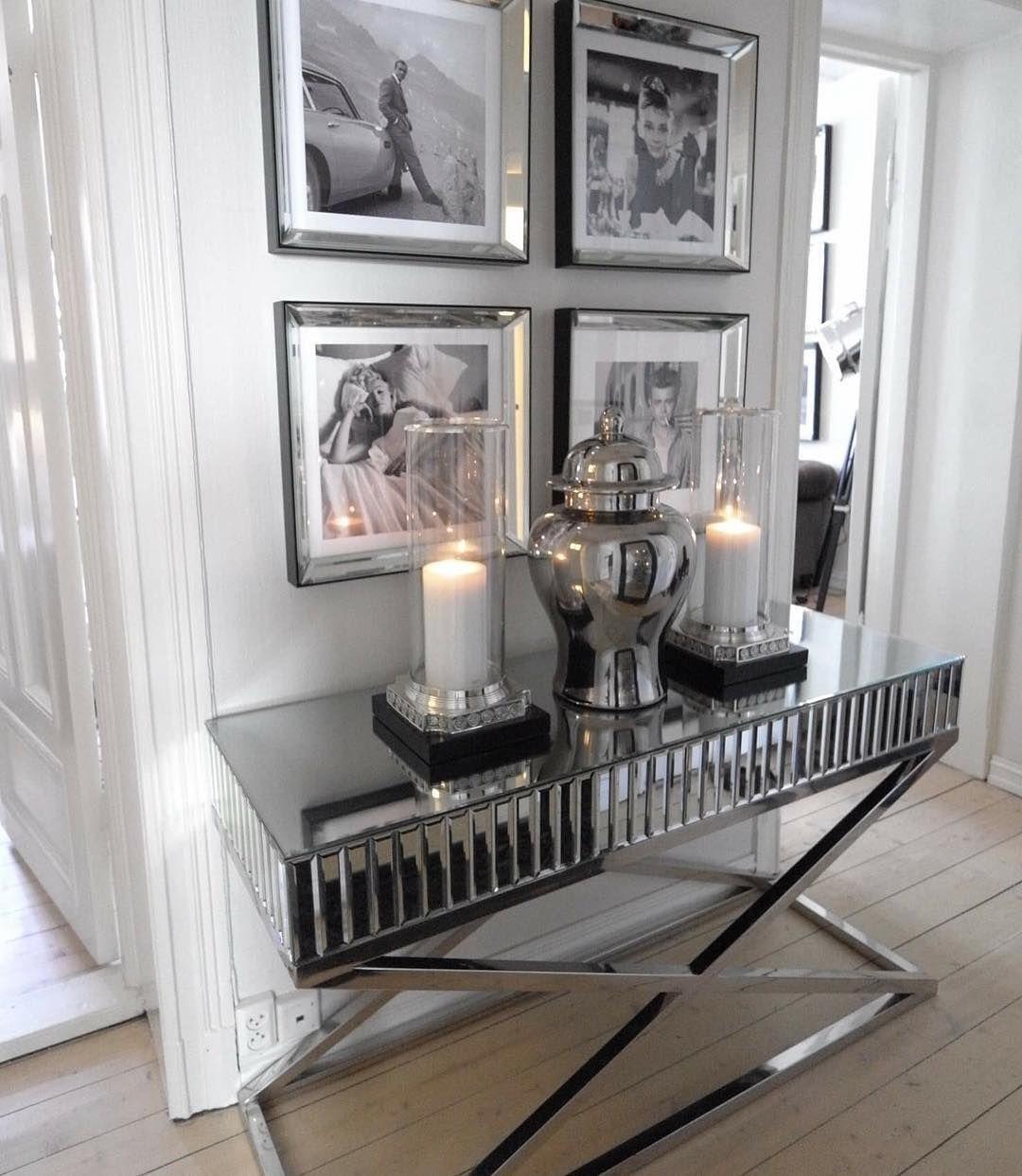 Sienna Konsollbordet kom virkelig til sin rett i @bymads sin flotte leilighet.  Tusen takk for nydelig bilde.