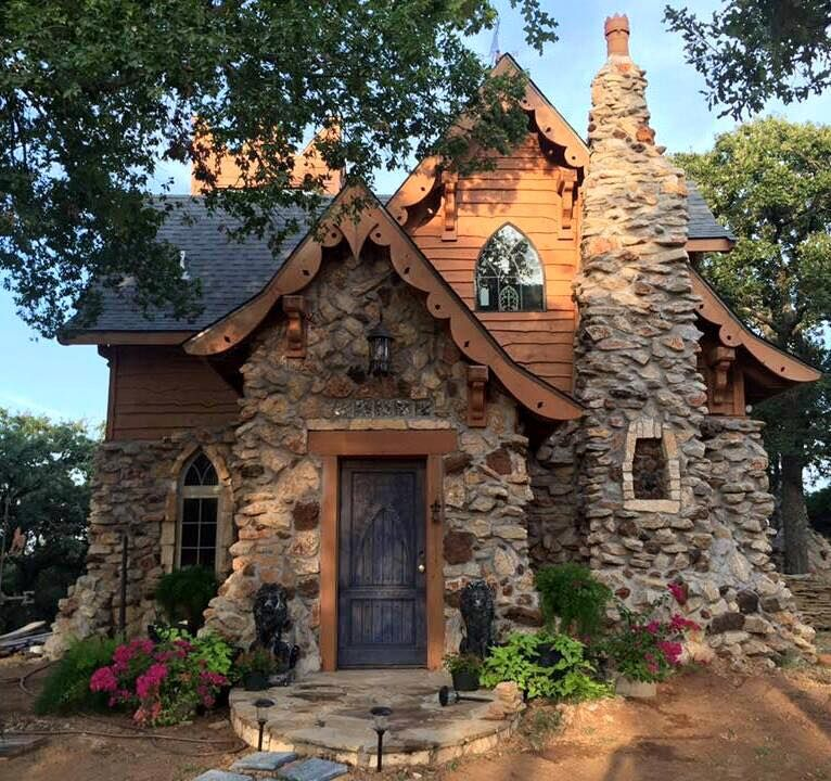 So cute dream home pinterest tiny houses house for Tiny stone cottage