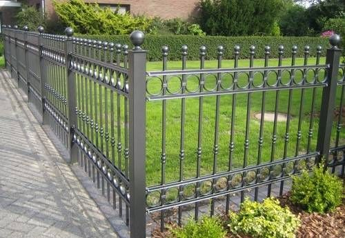 15 Classy And Gorgeous Ornamental Aluminum Fence Ideas Iron Fence Metal Garden Fencing Aluminum Fence
