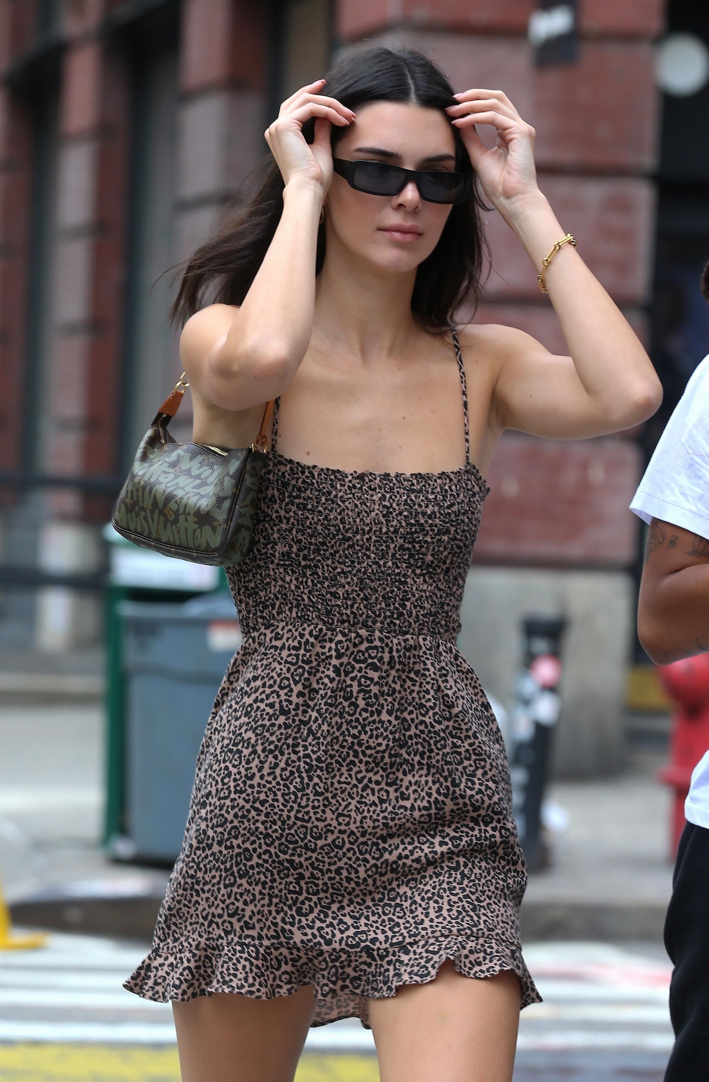 20/20 out in Soho   Kendall style, Kendall jenner outfits, Kendall ...