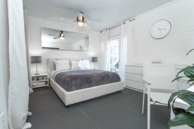 schlafzimmer gestaltung kleiner raum weiße grauer bodenbelag ...