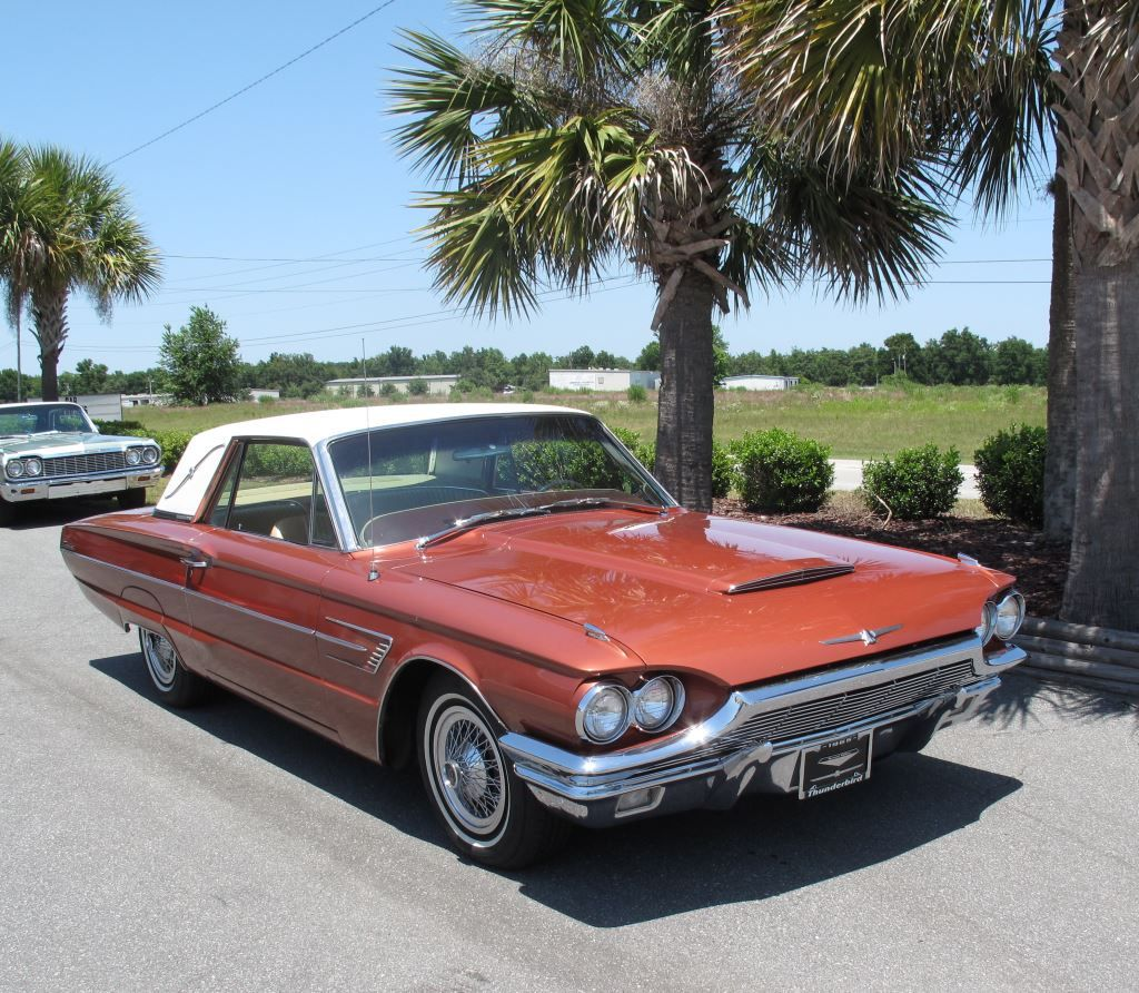Limited edition 1965 ford thunderbird special landau with only 4 500 units produced it is showroom