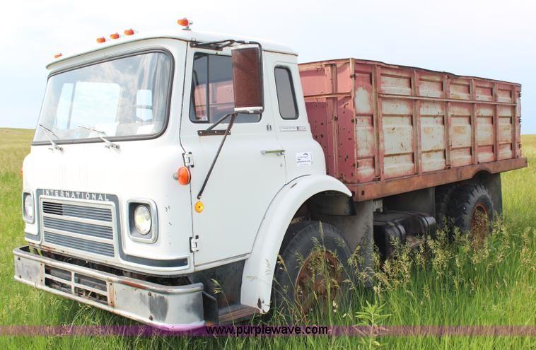 1975 International Cargo Star 1710B grain truck | no-reserve ...