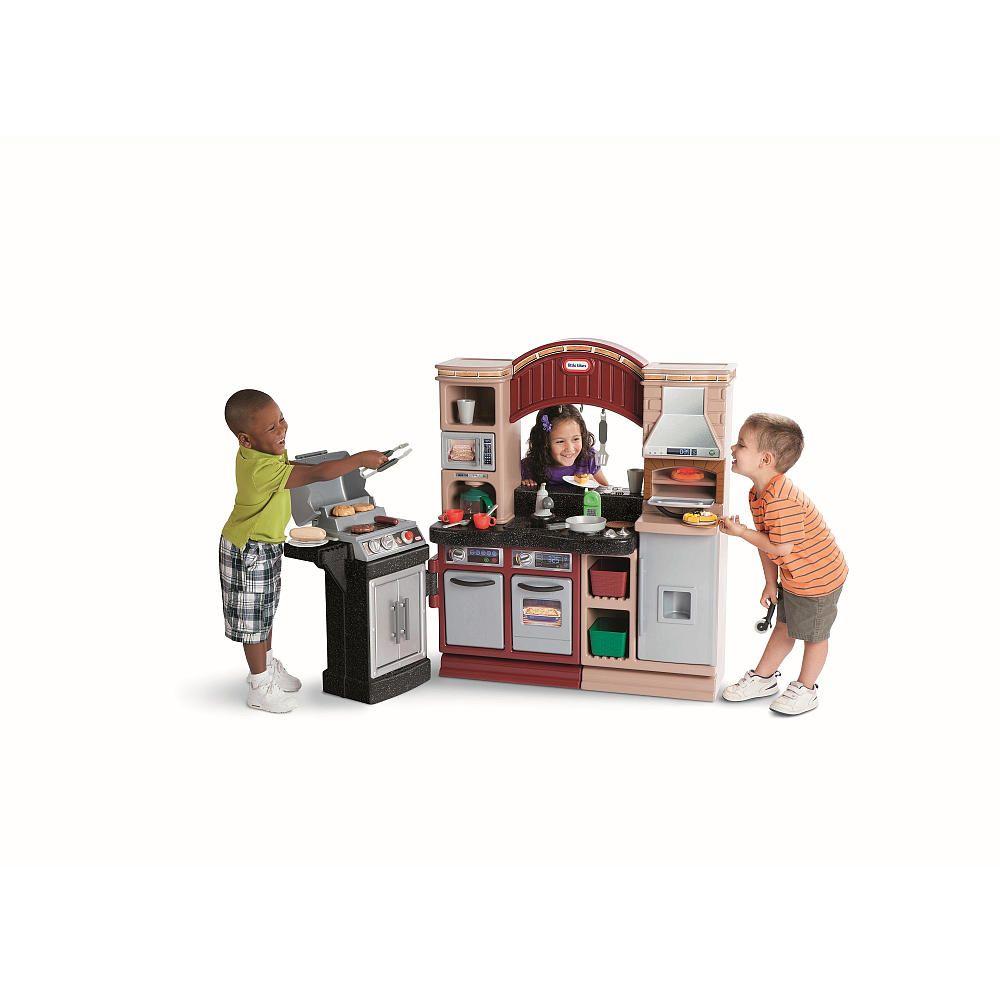 Little Tikes Brick Oven Pizza Kitchen - MGA Entertainment - Toys \
