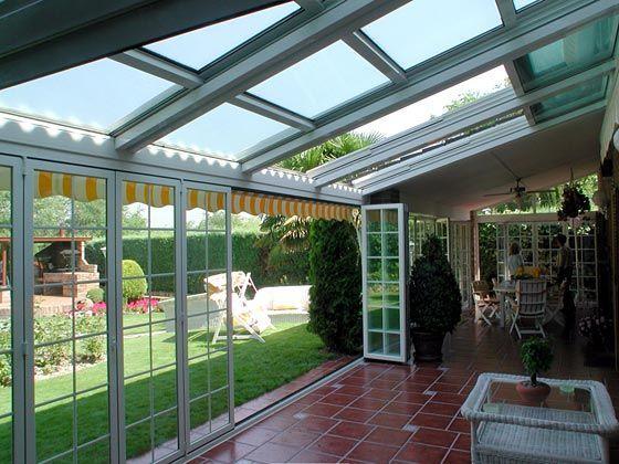 Techos modernos de policarbonato jard n de invierno cerramientos de aluminio techos y terrazas - Porches cerrados de aluminio ...