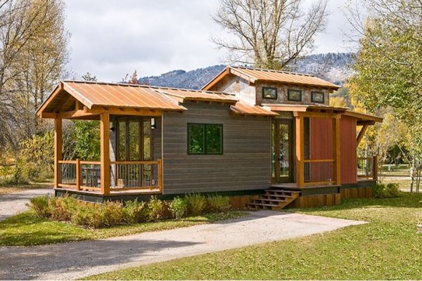 The Caboose 400 Sq Ft Cabin By Wheelhaus Small House Container House Plans Park Model Homes