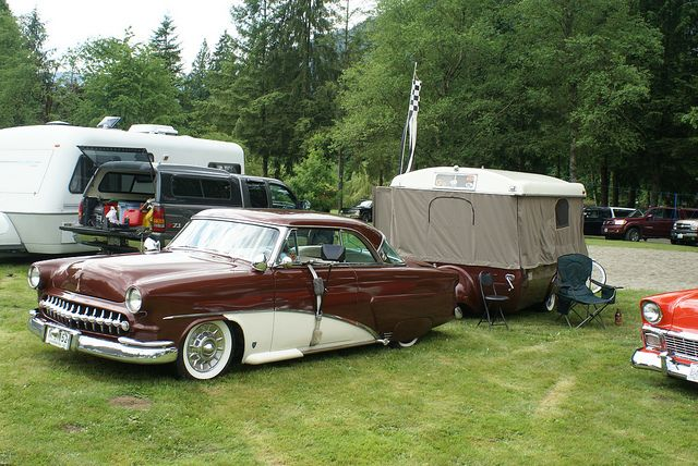 see his/her flickr stream for great vintage camper eye candy!