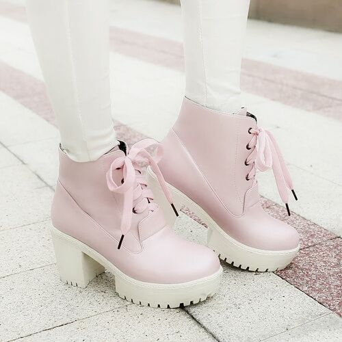 Cute, but they must be hard to walk  in!! @-@