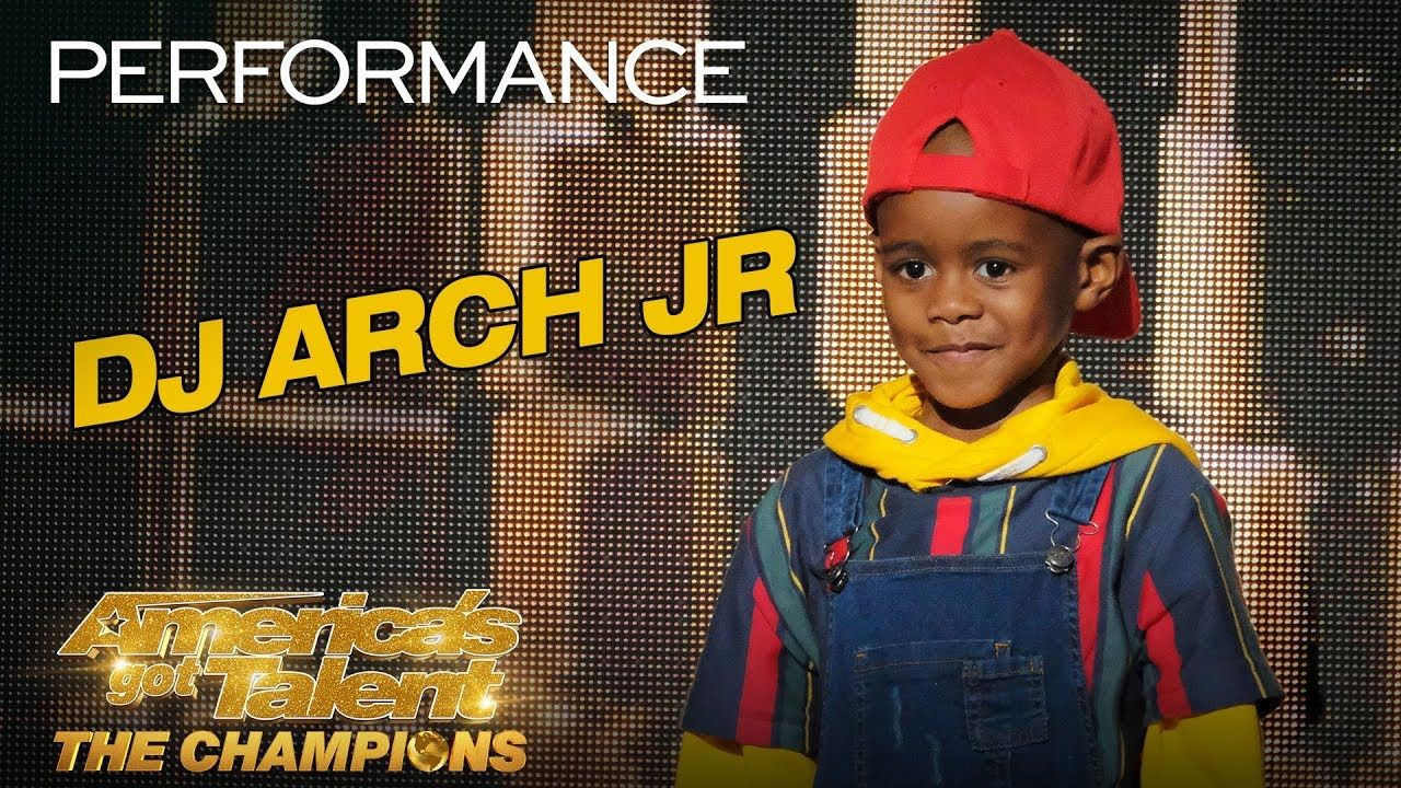 Dj Arch Jr The World S Youngest Dj Delivers Jaw Dropping Act