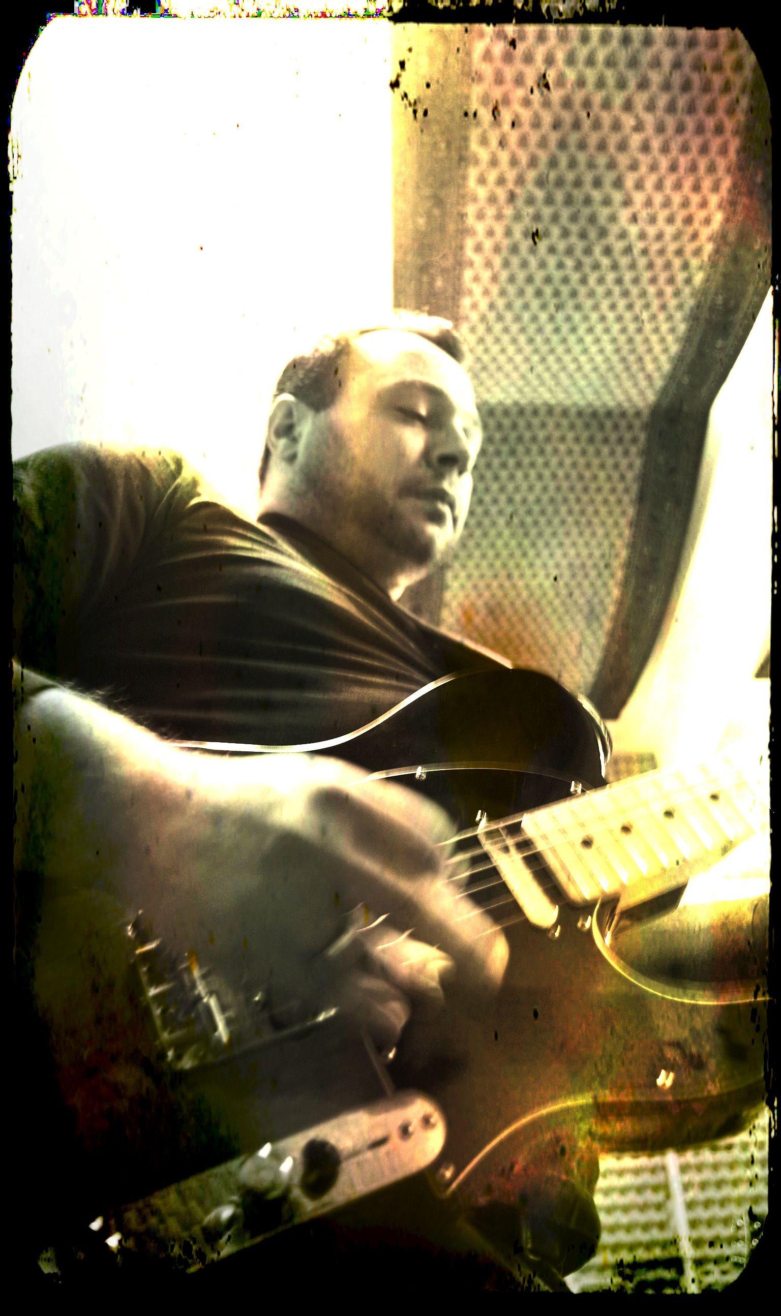 Johnny Bluebird, Lead Guitar