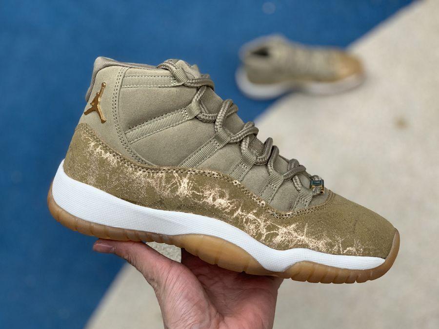 Air jordans, Womens shoes wedges
