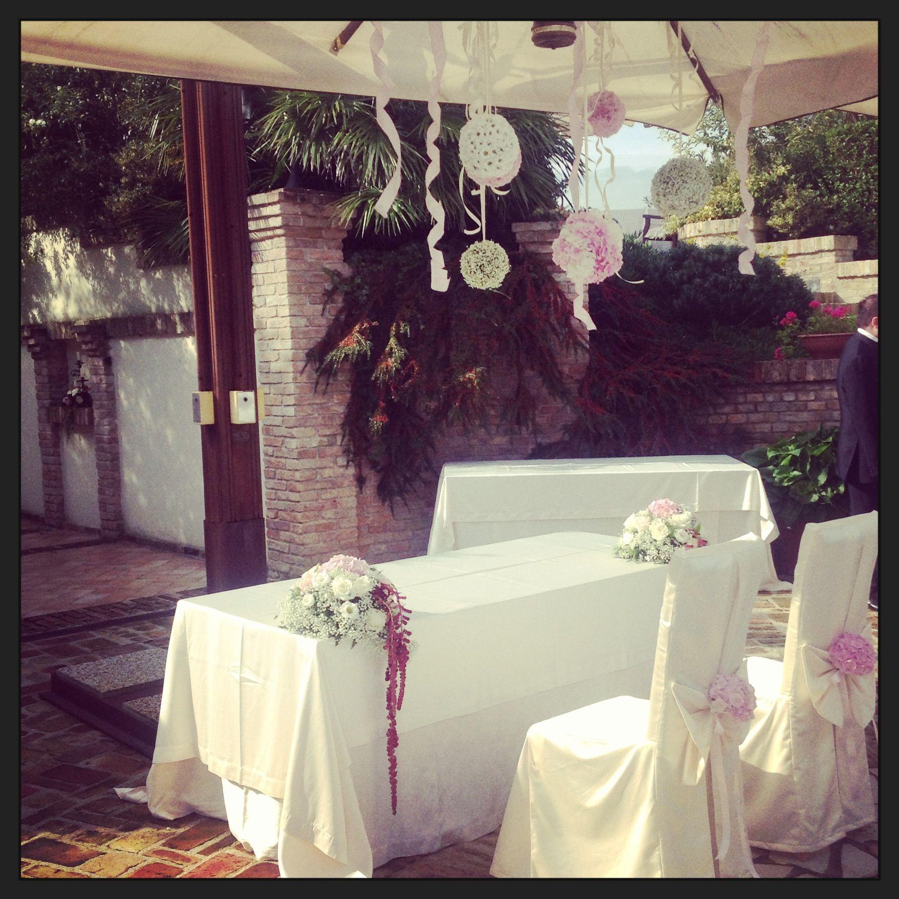 È tutto pronto per la cerimonia in Villa dei nostri sposi Gianni&Sabrina... #villaitramonti #wedding #Gianni&Sabrina #cerimonia#in#villa #rimini #pesaro #dolcezze
