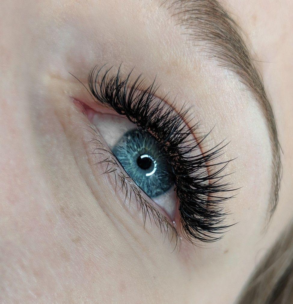 Natural hybrid lash extensions | eyelash extensions ...