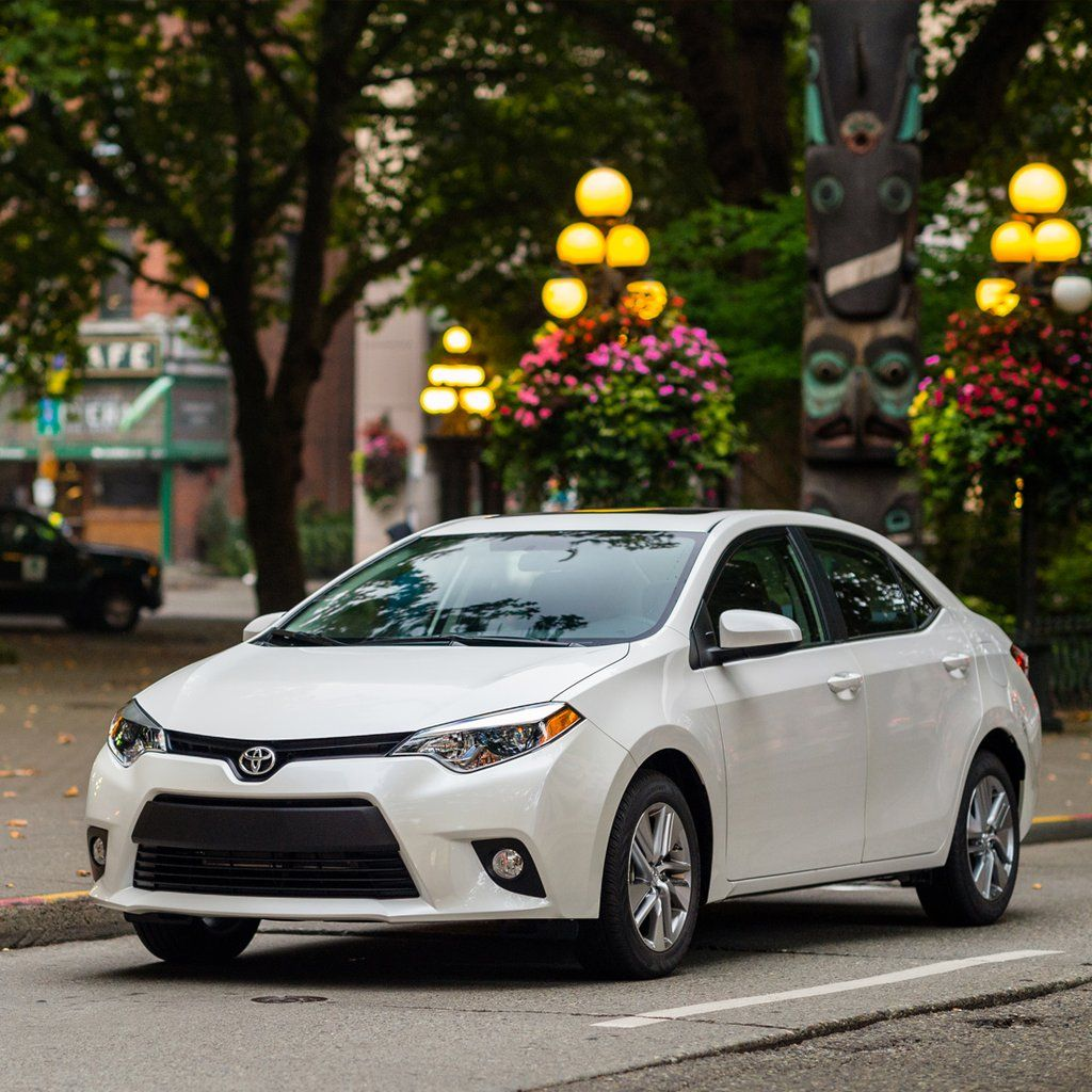 Toyota Corolla Le Eco: Toyota's Corolla LE Eco Is Fuel-Conscious (and Full Of