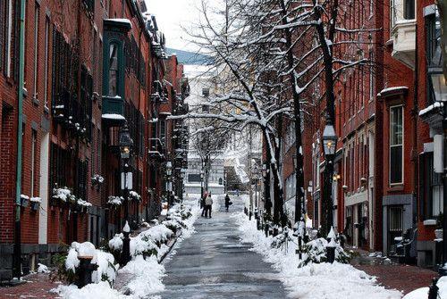 thefoodogatemyhomework:    January in Beacon Hill…