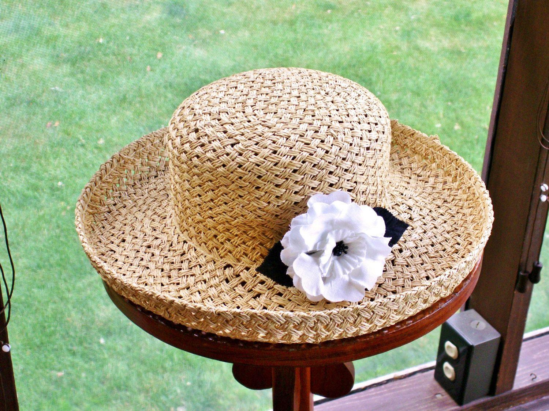 5641f74229ac8 Liz Claiborne Rolled Brim Straw Hat with Flower Beachwear Sun Protection  Garden Party Resort Wedding by dazzledbyvintage on Etsy