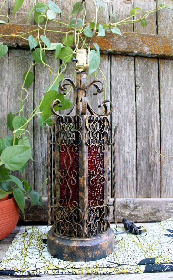 Beautiful Vintage Spanish Style Wrought Iron Table Lamp Wrought