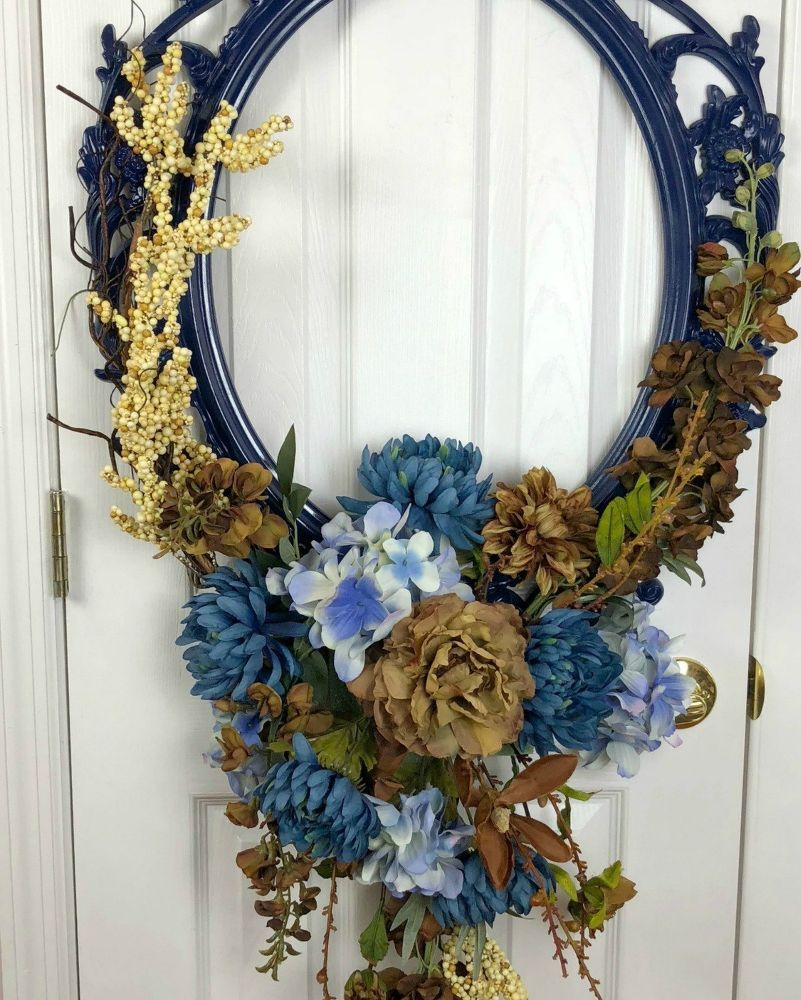 Use a Picture Frame for an Amazing Wreath Fall wreaths