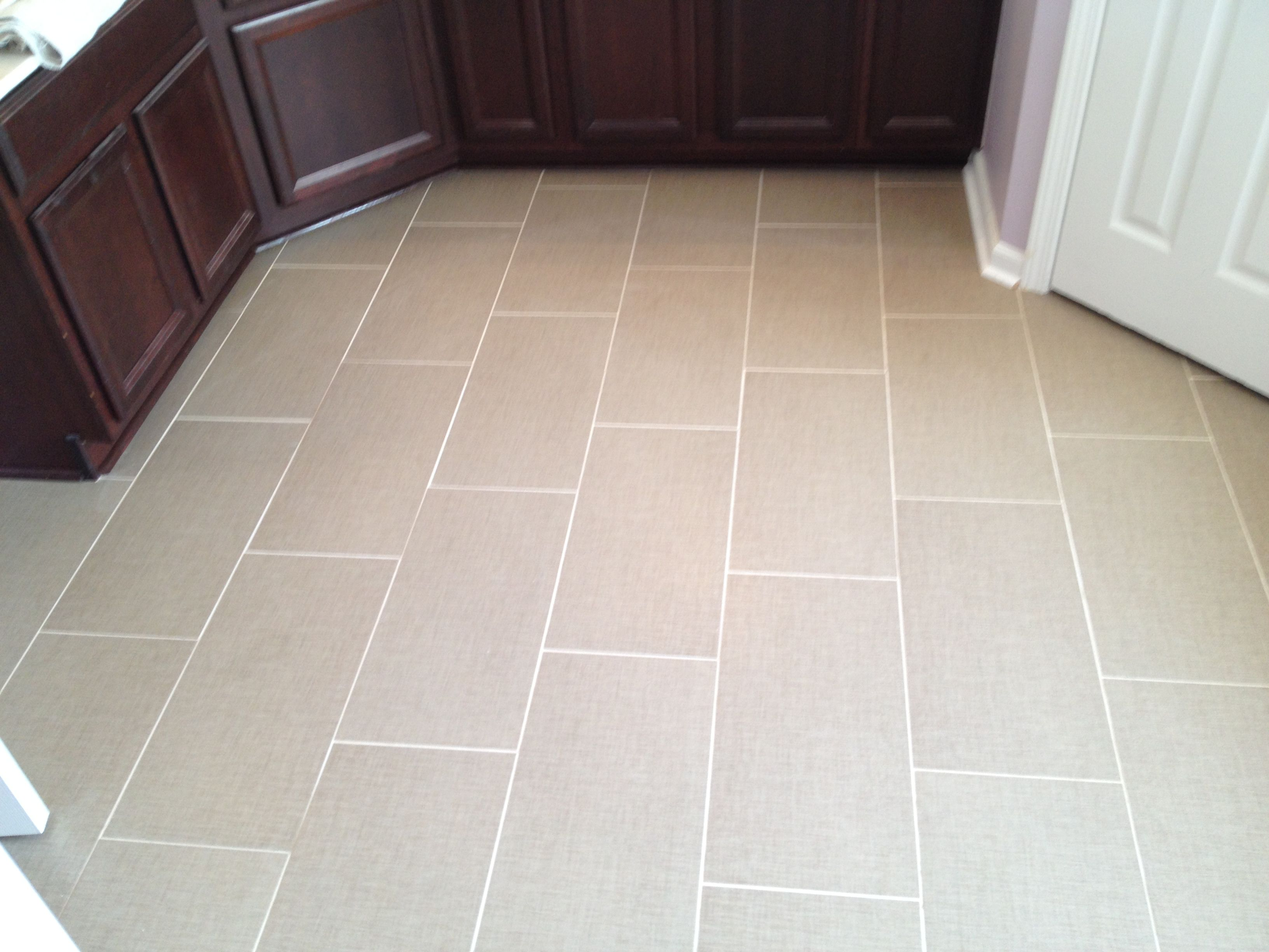 Master Bath 12 X 24 1 3rd Offset With 1 8th Grout Joints Using Laticrete S 254 Platinum Thin Set And Perma C Grout Color Wood Laminate Flooring Wood Laminate
