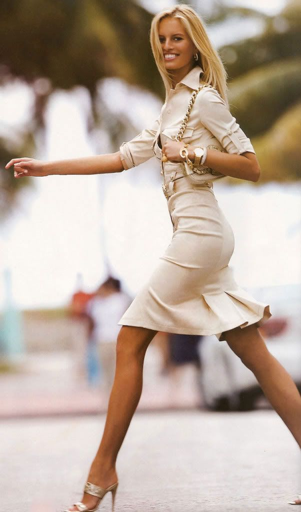 Karolina Kurkova Style - Pickin' Up Her Stride With Perfect Legs #womenswear #model #style #fashion #greatlegs