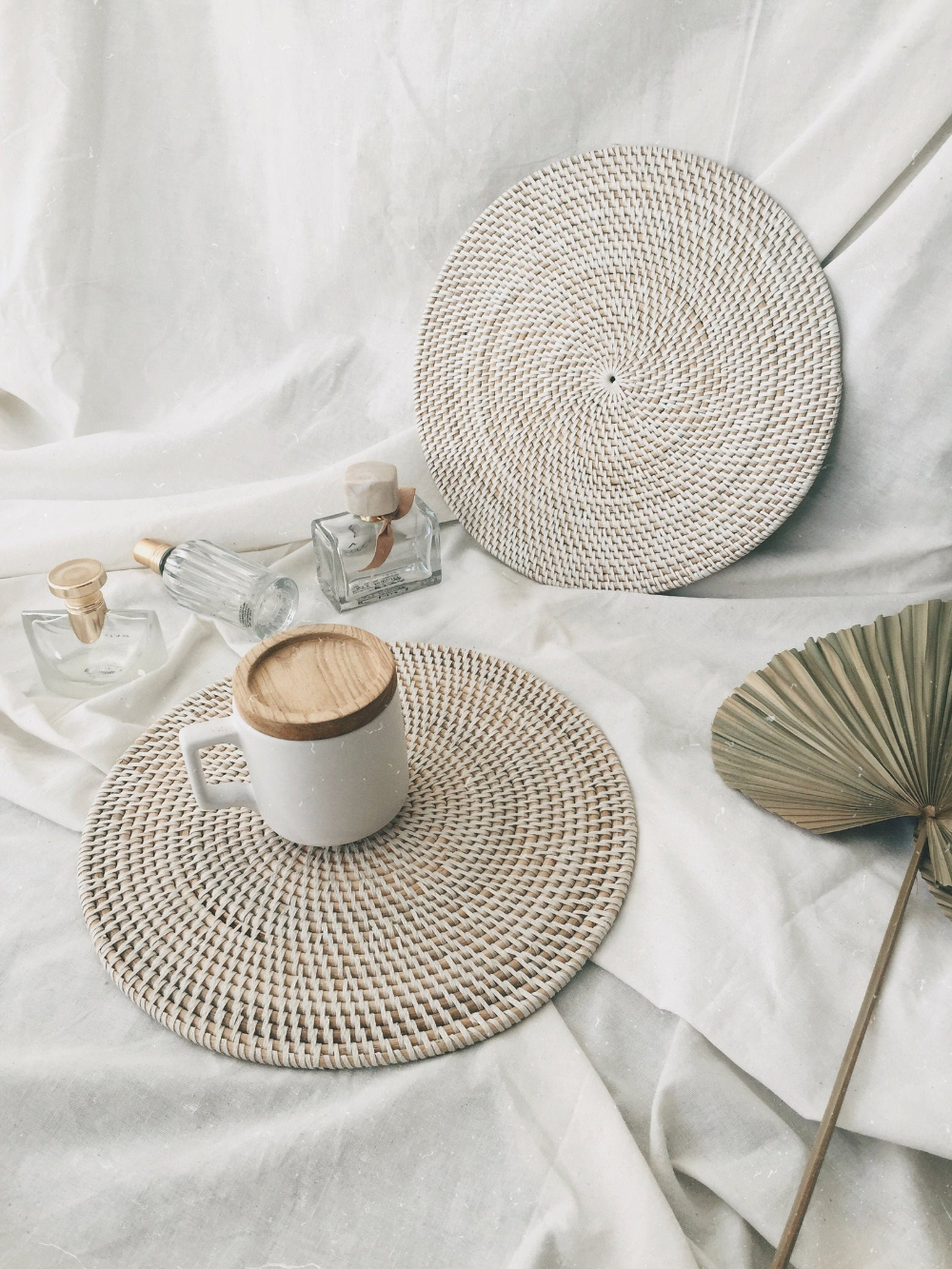 Round White Rattan Placemats White Color Placemats Dining Etsy In 2021 Bali Decor Wicker Placemats White Placemats